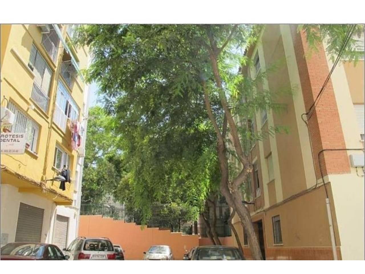 Venta de piso en ciudad jard n m laga for Pisos alquiler ciudad jardin malaga